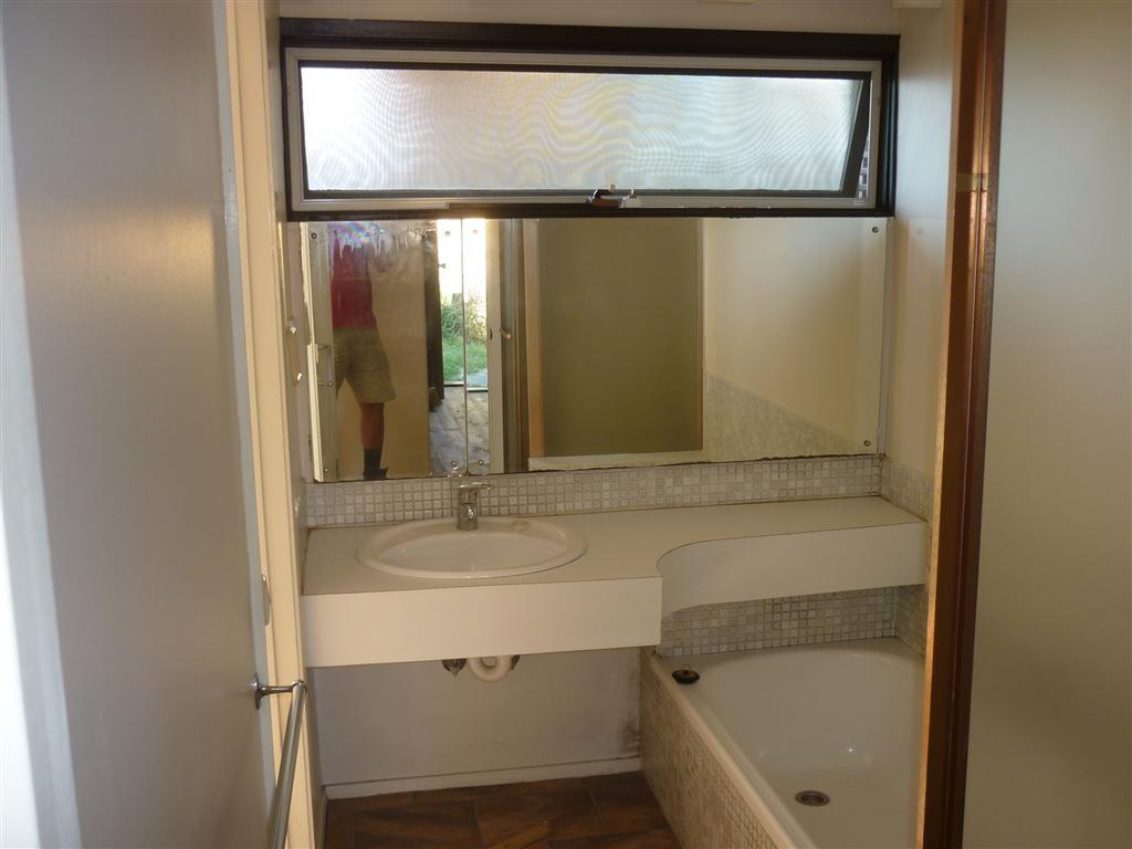 32 f Bathroom before